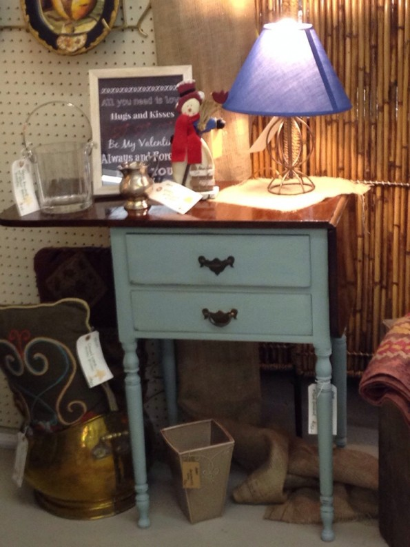 drop leaf table in booth