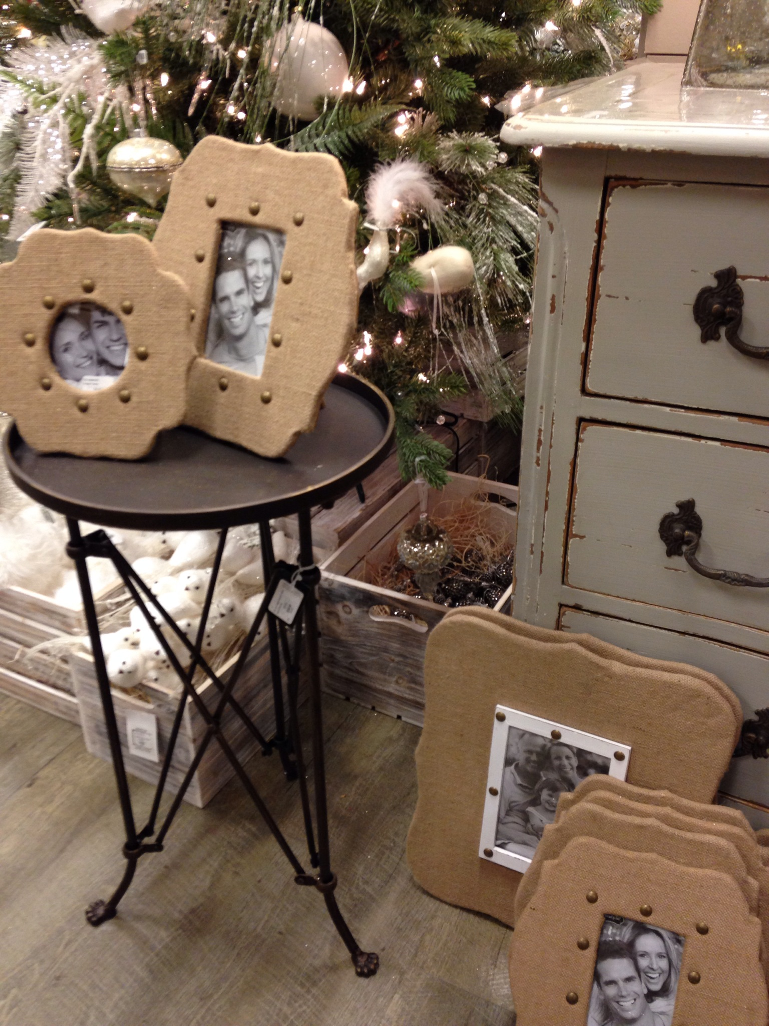 Casabella burlap wrapped frames