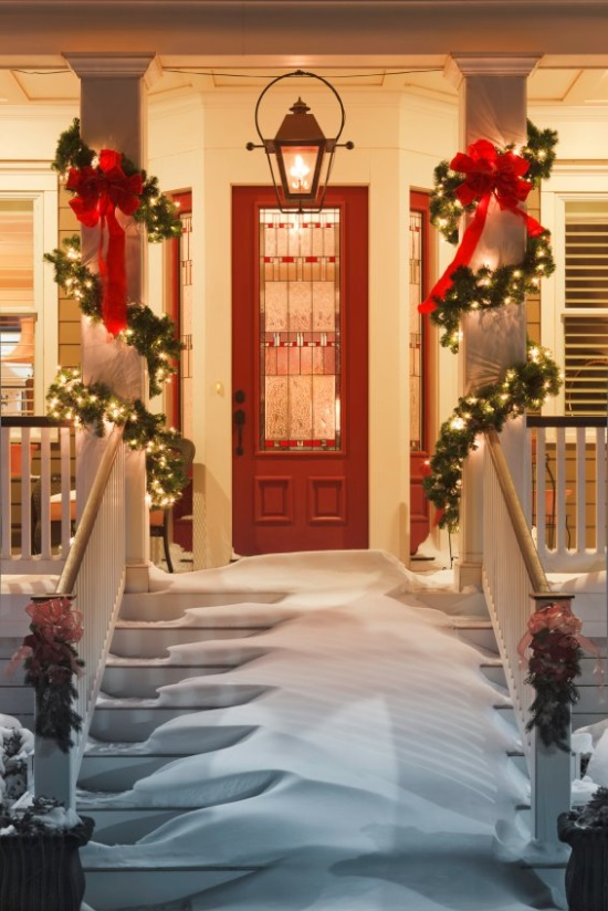 porch- wrapped garland