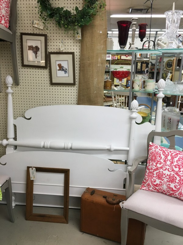 bed painted booth